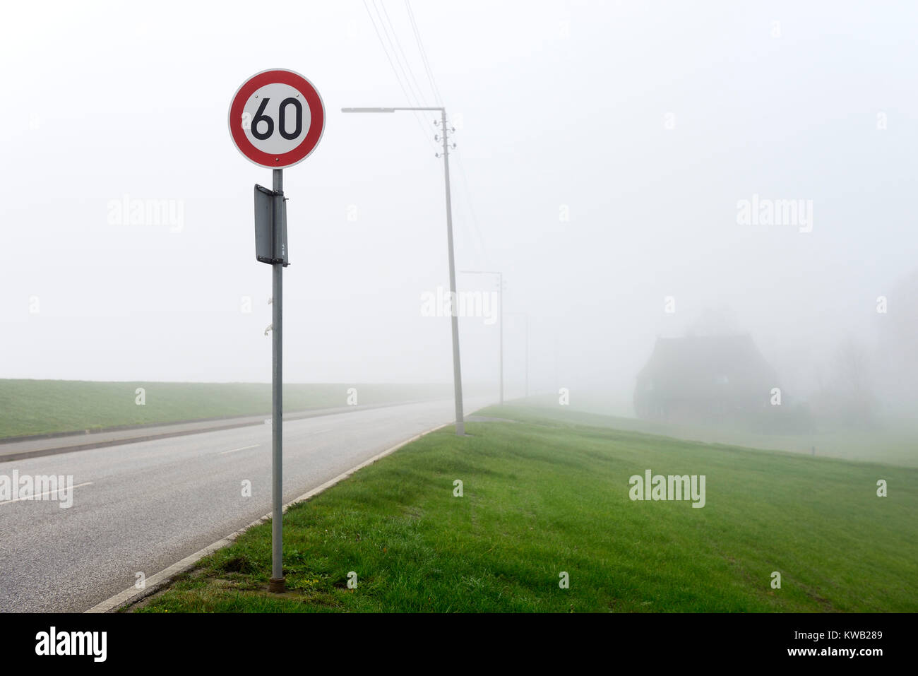 Misty Deichstrasse in Kirchwerder, Hamburg, Germany, Europe, Neblige Deichstra?e in Kirchwerder, Deutschland, Europa, Stock Photo