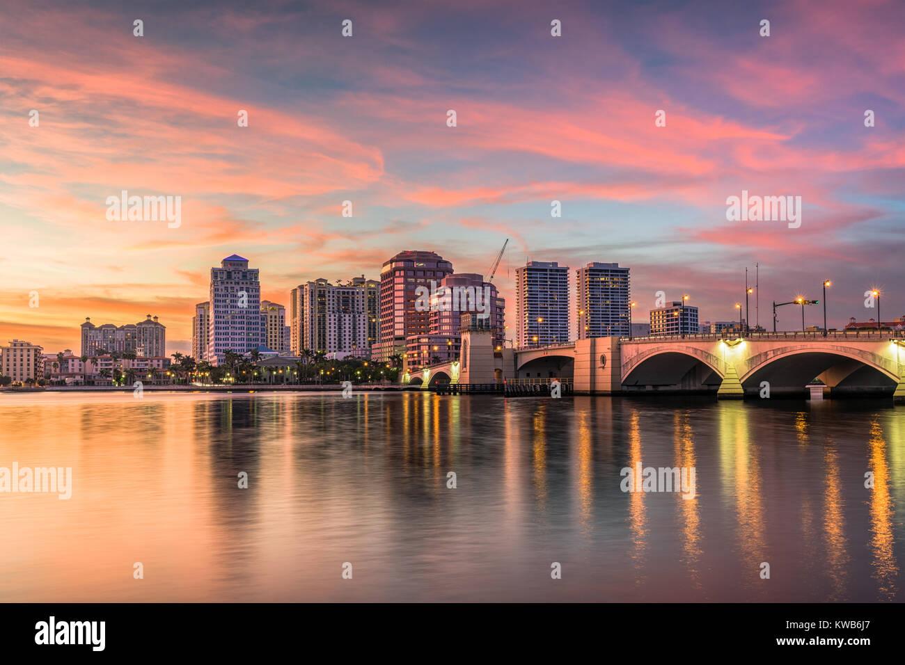 West Palm Beach, Florida, USA downtown skyline on the intracoastal waterway. - Stock Image