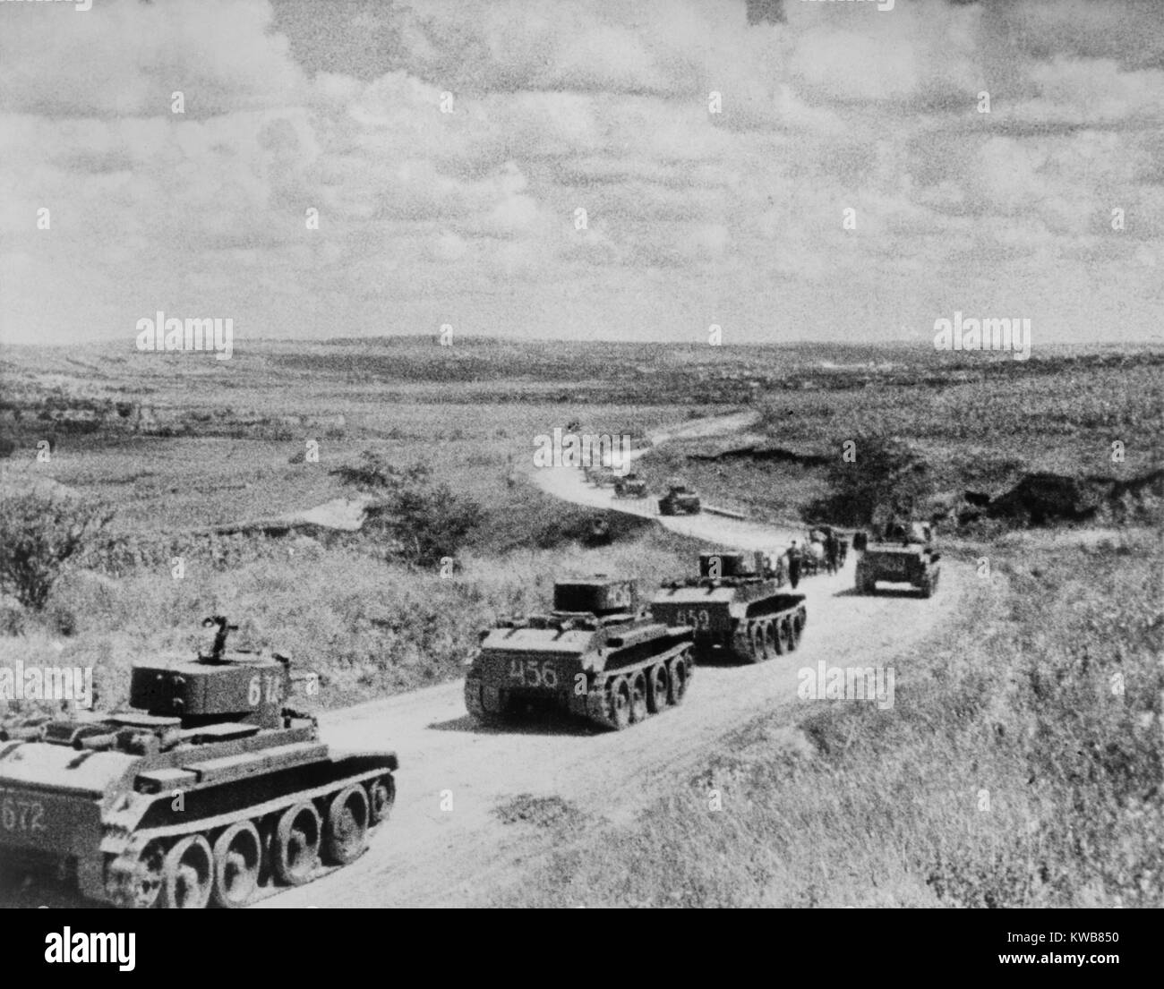 Convoy of Soviet (Russian) tanks in Romania during the annexation of Bessarabia, Romania, in 1940. Bessarabia, was - Stock Image