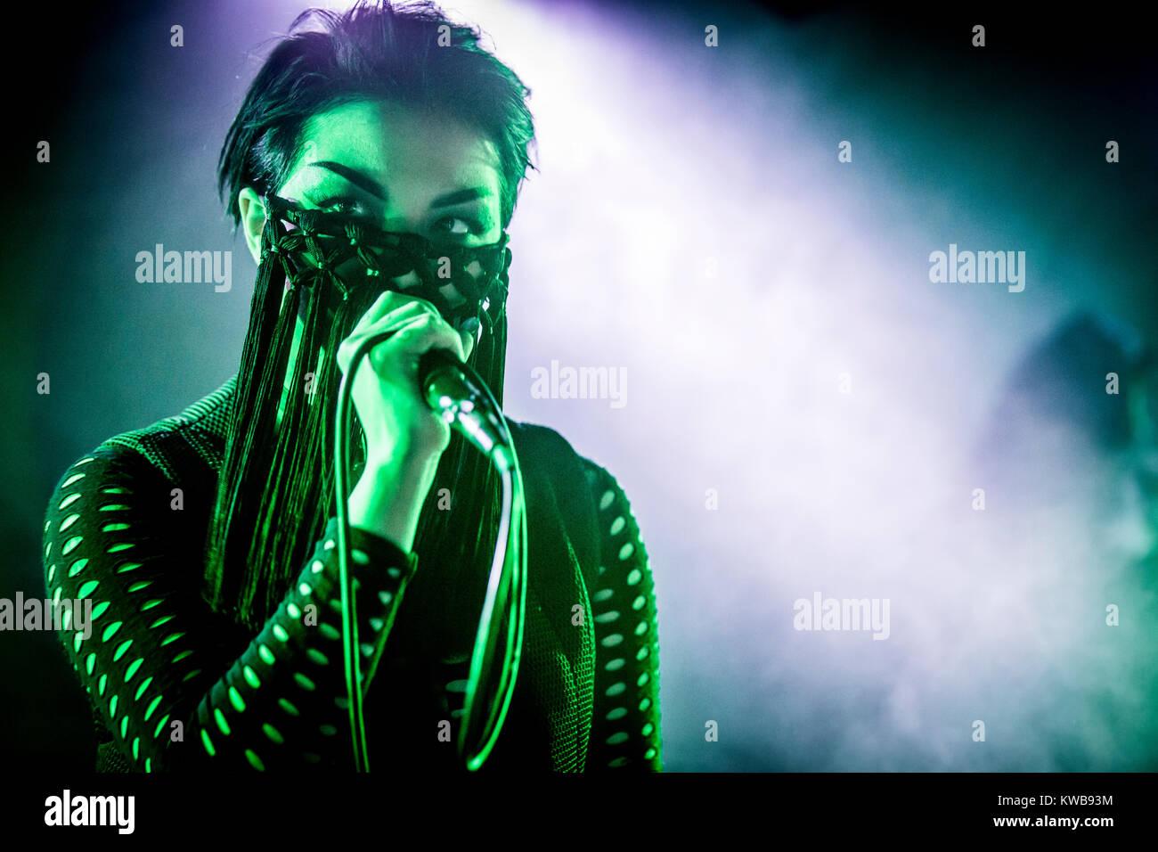 The Danish electro-pop singer Mendoza performs a live