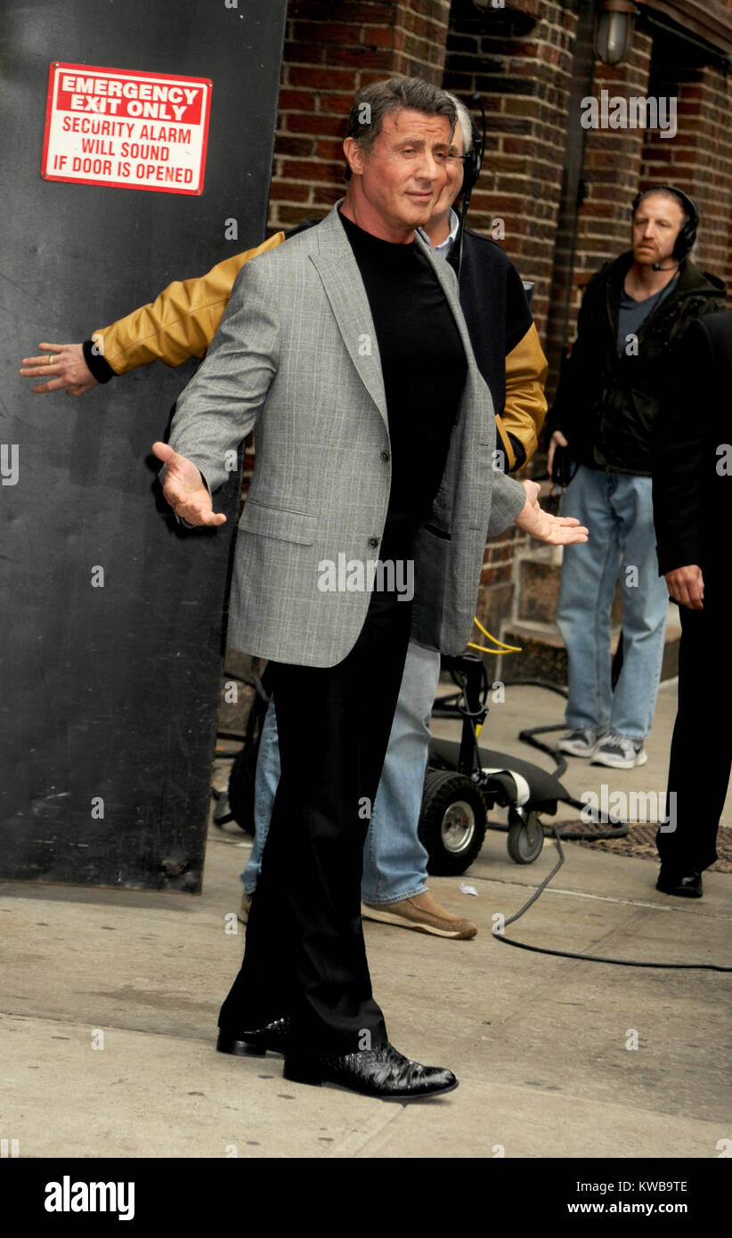 sylvester stallone new york shopping NEW YORK, NY - MARCH 12: Actor Sylvester Stallone enters the 'Late ...