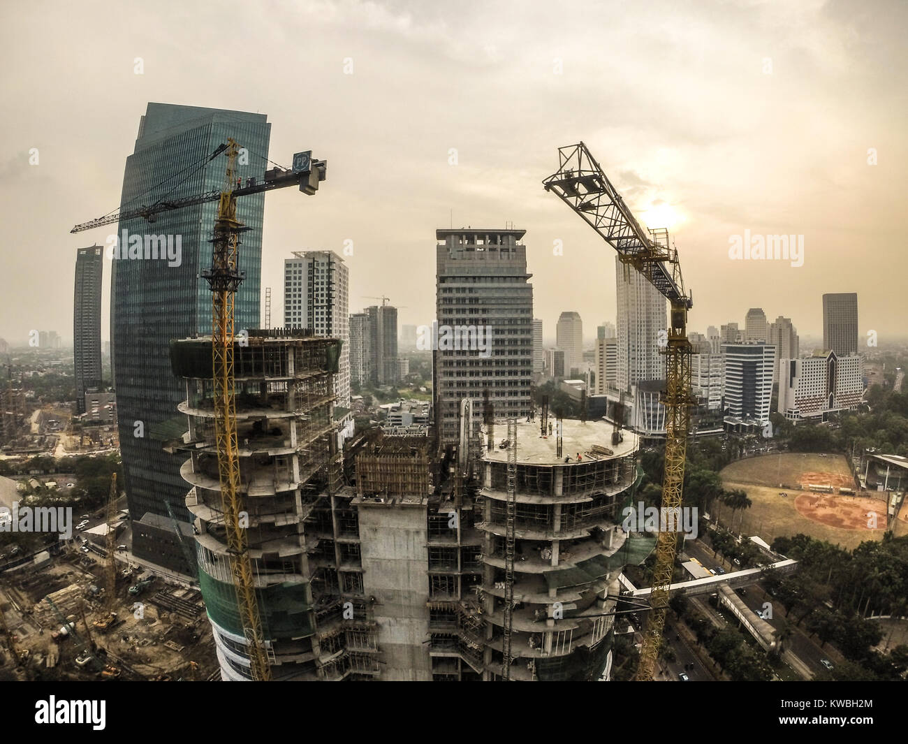 Construction of skyscraper building in the city of Jakarta - Stock Image