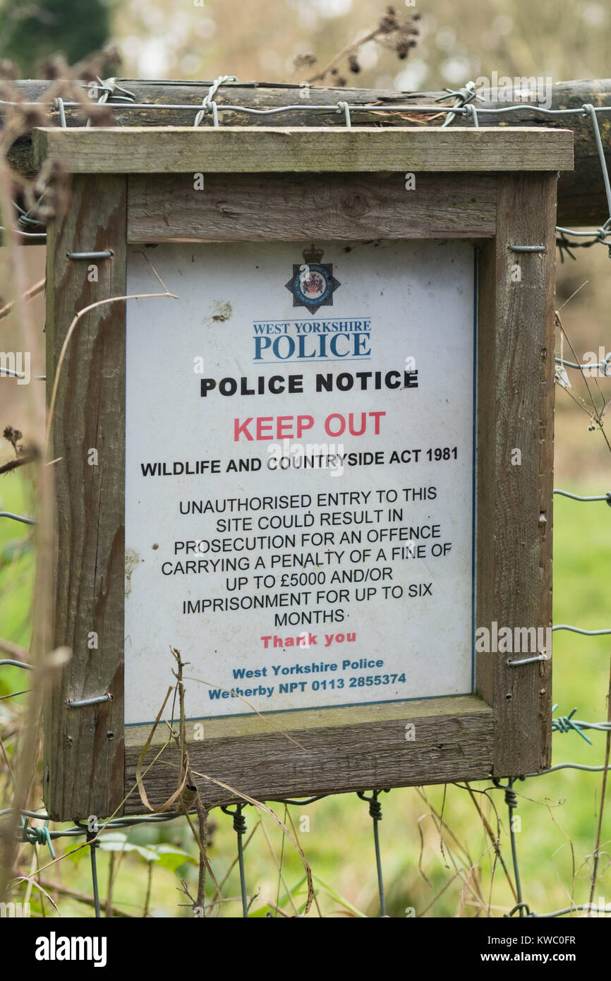 Police Notice Keep Out Wildlife and Countryside Act 1981 sign at Site of Special Scientific Interest, Eccup Reservoir, - Stock Image