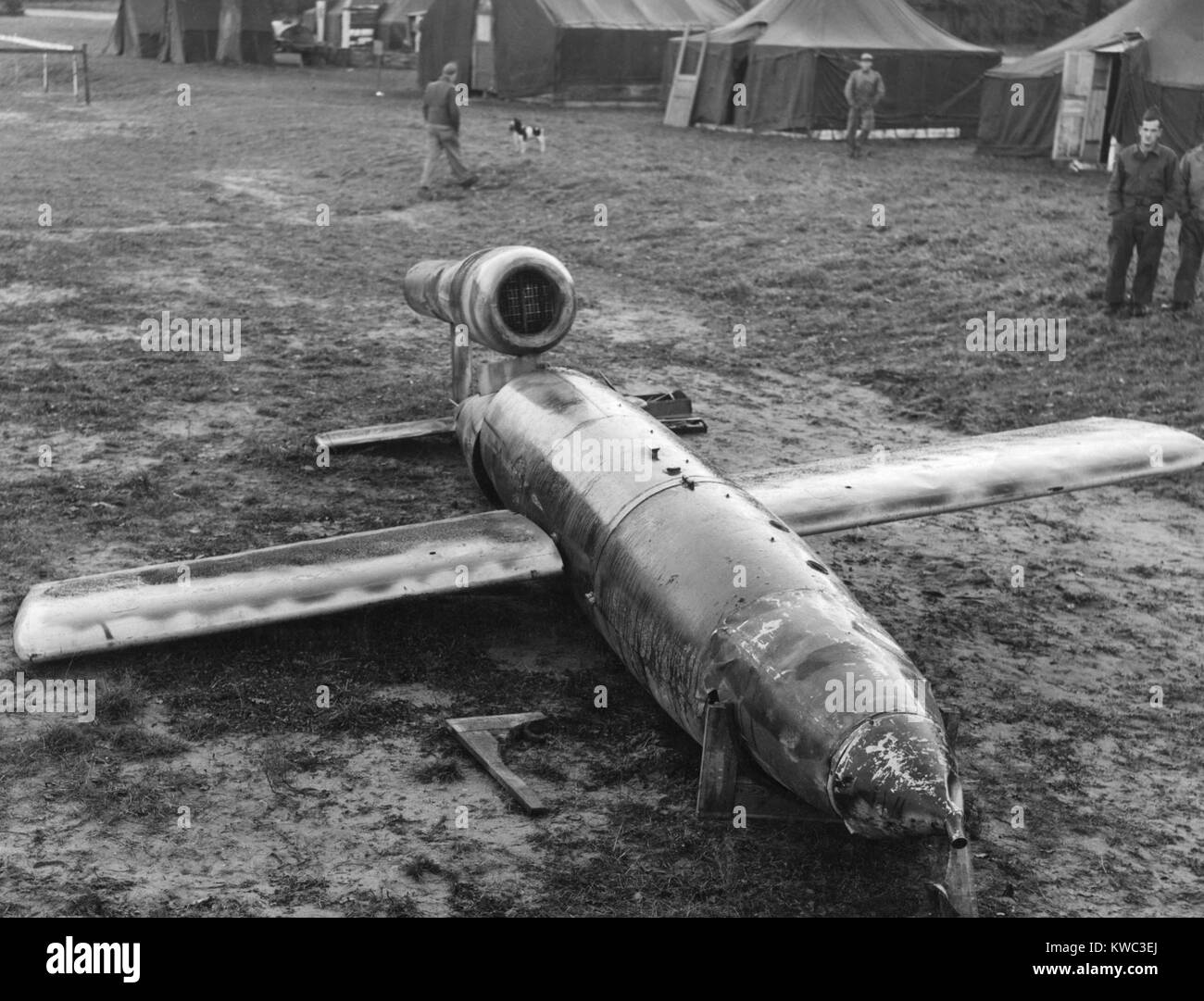 German V-1 Pilotless 'buzz bomb' was found intact by the US Army 9th Air Force in France. The dud landed - Stock Image