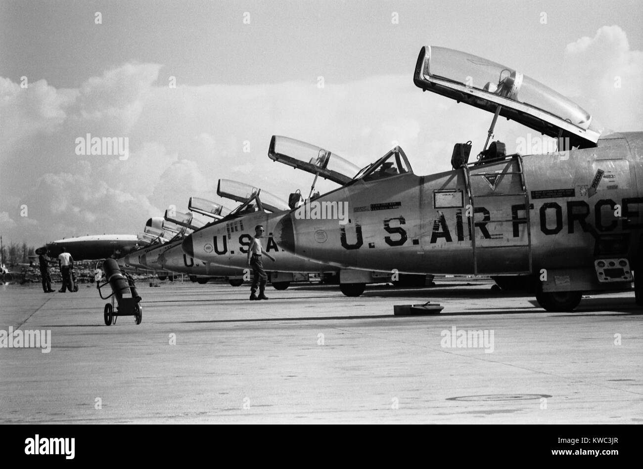 U.S. Air Force jets all with open cockpits on the crowded Da Nang flight line in South Vietnam. Sept. 12, 1965. - Stock Image
