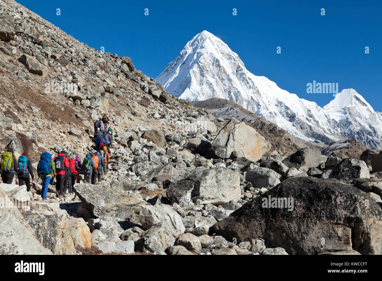 Mounts Everest and Lothse, way to Everest base camp - Stock Image