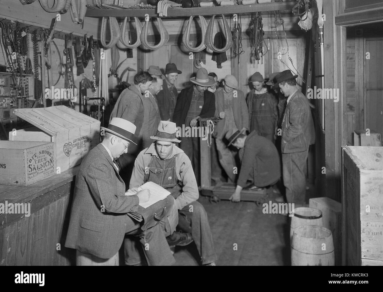 Applicants for jobs on TVA's Norris Dam were conducted at Stiner's Store, Lead Mine Bend, TN. In the background, - Stock Image