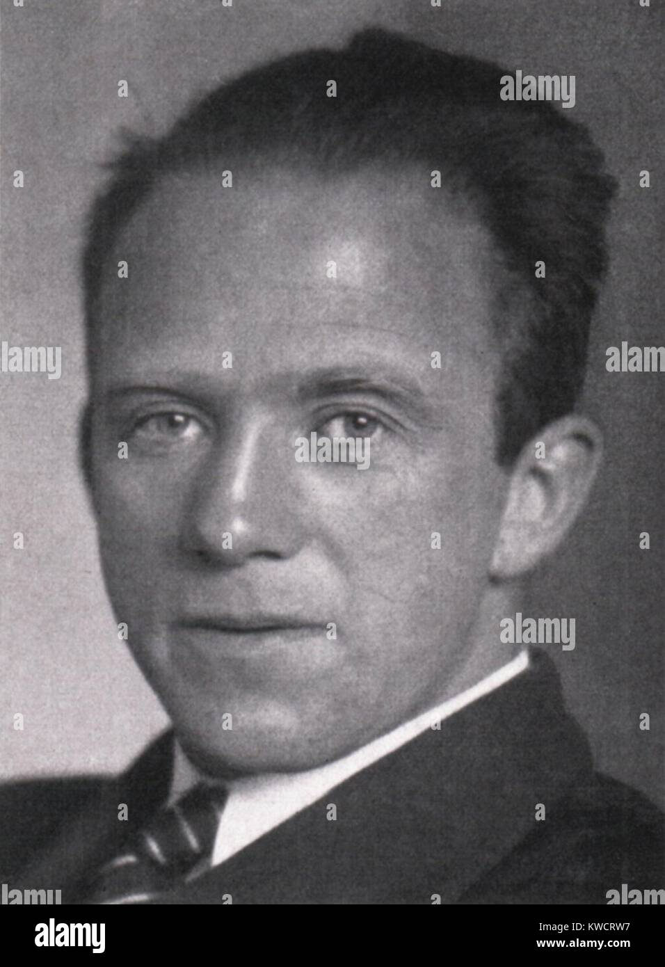 werner heisenberg theoretical physicist was awarded the 1932 nobel