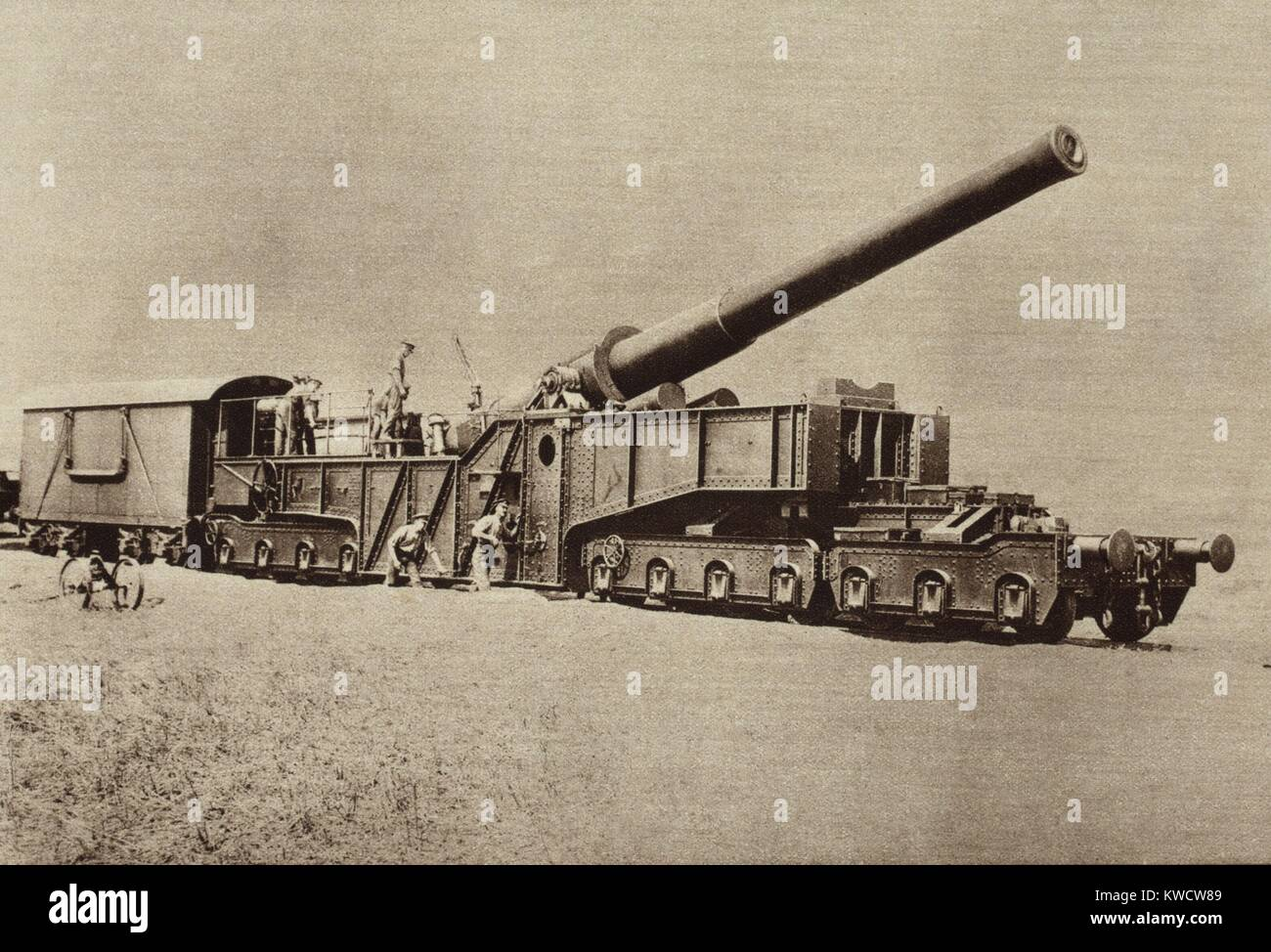 World War 1. Artillery in use by American forces in Argonne. The great guns manned the American Coast Artillery, - Stock Image