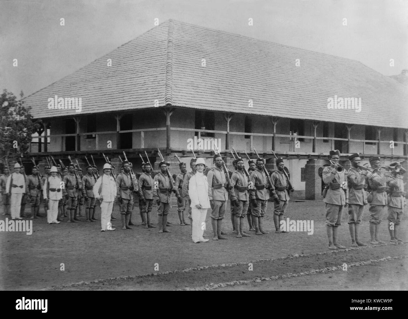 World War 1. German officers in drill formation with colonial troops at the German Government Station, Ebolowa, - Stock Image