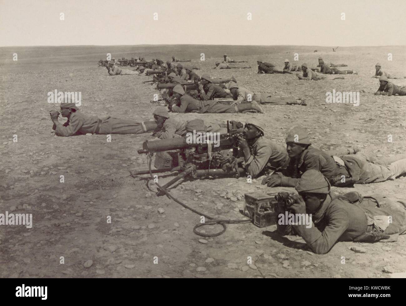 World War 1 in the Middle East. Turkish machine gun corps at Tell el Sheria on the Ottoman defensive Gaza-Beersheba - Stock Image