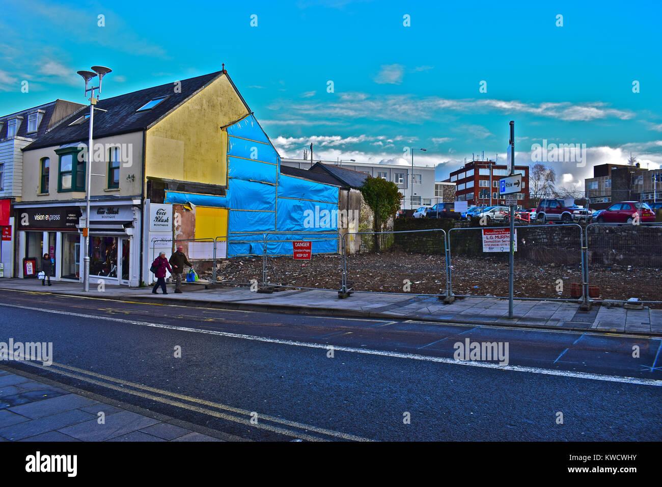 Demolished Retail Premises (former McDonalds Restaurant) in Nolton Street, Bridgend Town Centre. Site ripe for redevelopement - Stock Image