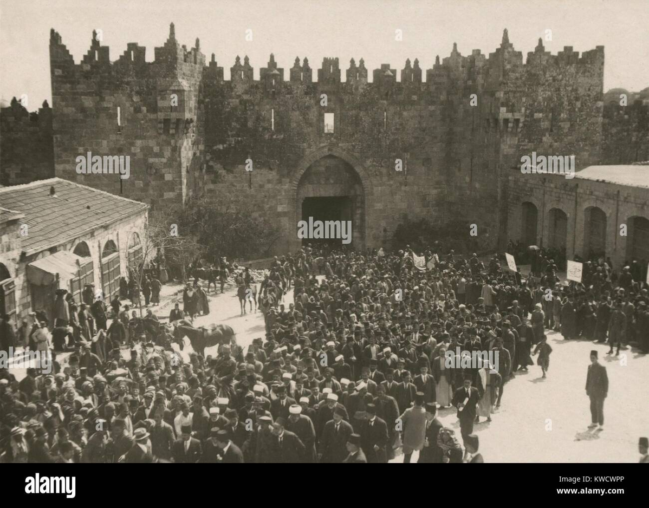 Arab anti-Zionist demonstration Damascus Jaffa Gate in Jerusalem on the March 8, 1920 (BSLOC_2017_1_191) - Stock Image