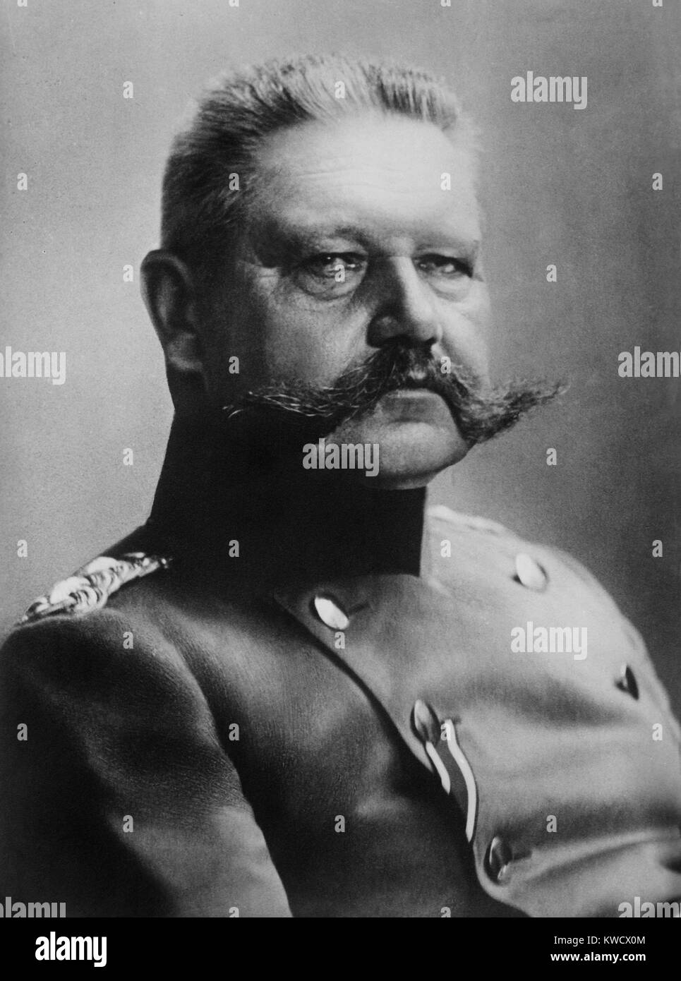 General Paul von Hindenburg, 1915, German military and defacto political leader during World War 1 (BSLOC_2017_1 - Stock Image