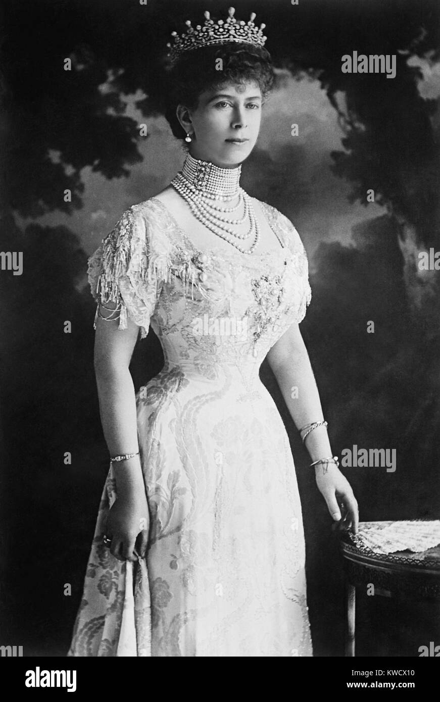 Queen Mary Of Teck Consort Of British King George Vi In 1914 At