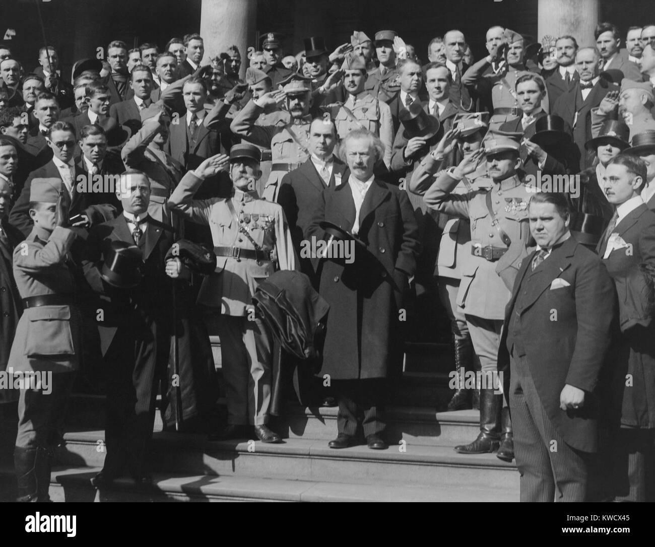 Ignacy Jan Paderewski, with Polish nationalists at New York City Hall, c. 1918. Paderewski recruited Polish Army Stock Photo