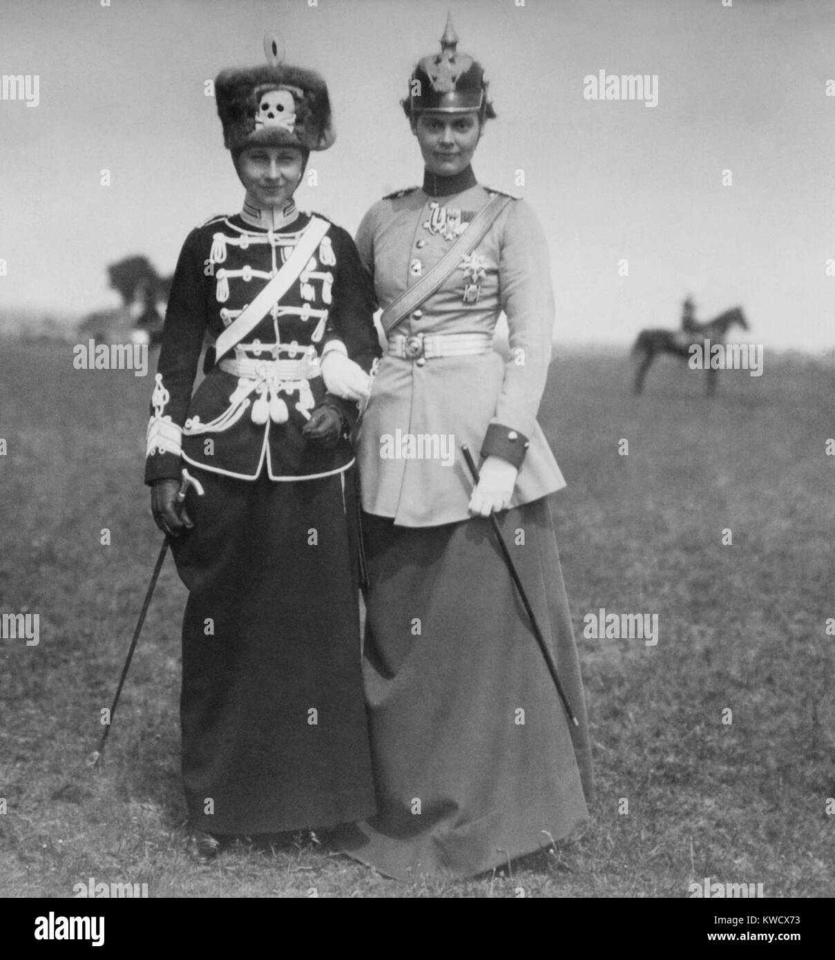 Princess Victoria Louise (left) and Crown Princess Cecilie of Germany, Oct. 7, 1914. They are dressed in uniforms - Stock Image