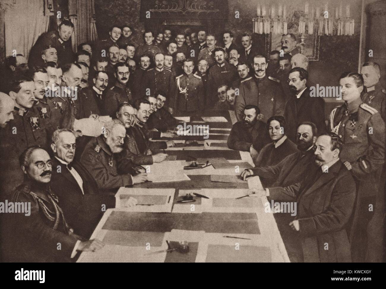 World War 1. The Bolshevik government of Russia signs a separate peace with Central Powers (Austria, Germany, Turkey) - Stock Image