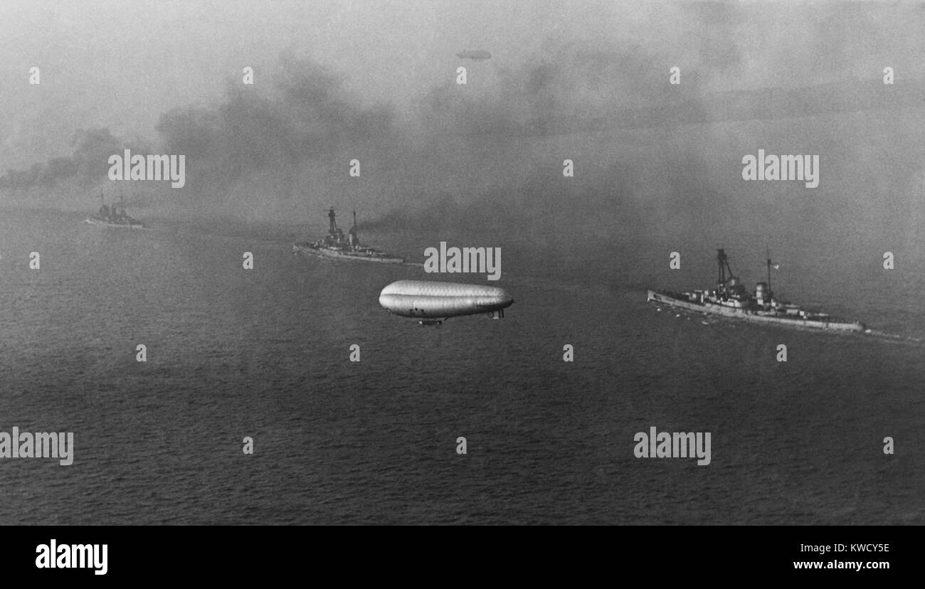 German battlecruisers steam toward Scapa Flow, in the Orkney Islands, Scotland, Nov.-Dec. 1918. In this photo taken - Stock Image
