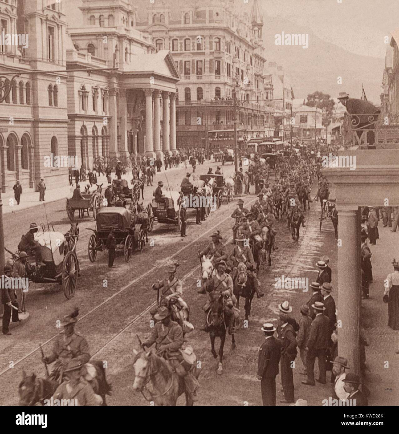 Imperial Light Horse Regiment marching down Adderly St. in Cape Town, Feb. 26, 1900. The reinforcements were enroute - Stock Image