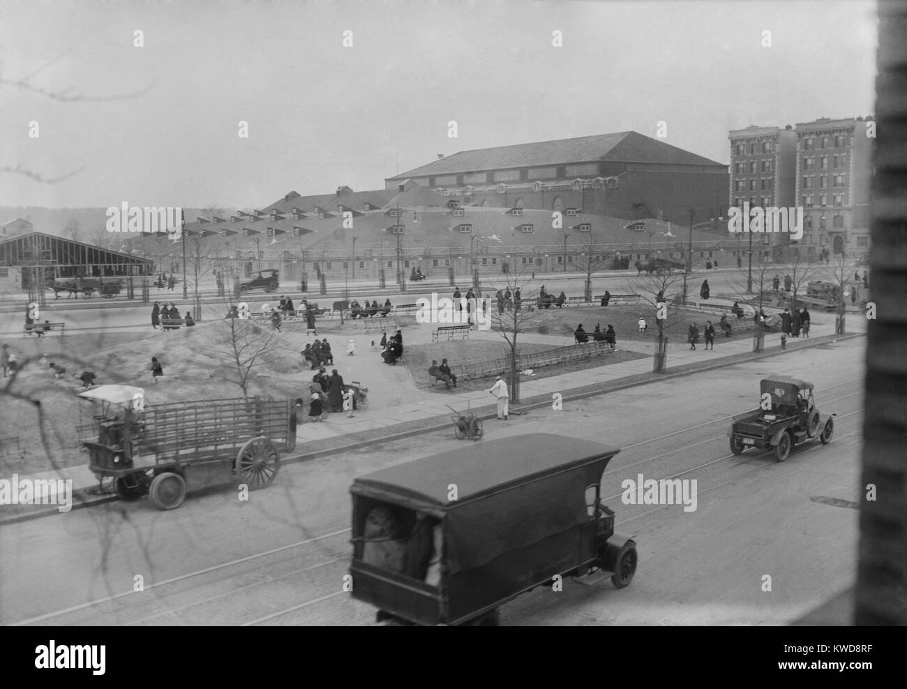 Evangelist Billy Sunday's Tabernacle tent at 168th Street in New York City, 1917 (BSLOC_2016_8_113) - Stock Image