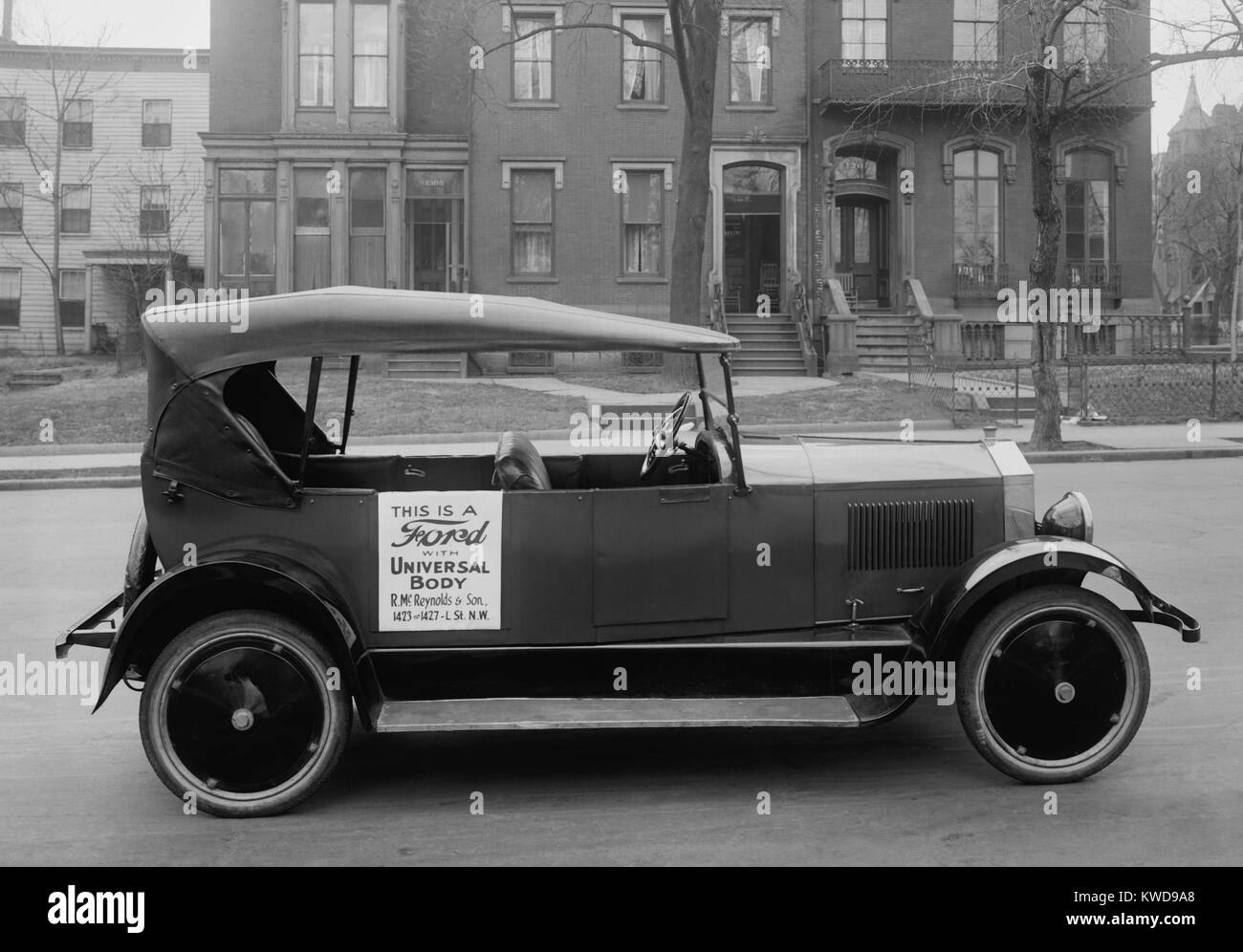 Ford Model T chassis with an 'aftermarket' Universal Body, c. 1921. Universal Body offered bodies, radiators, - Stock Image