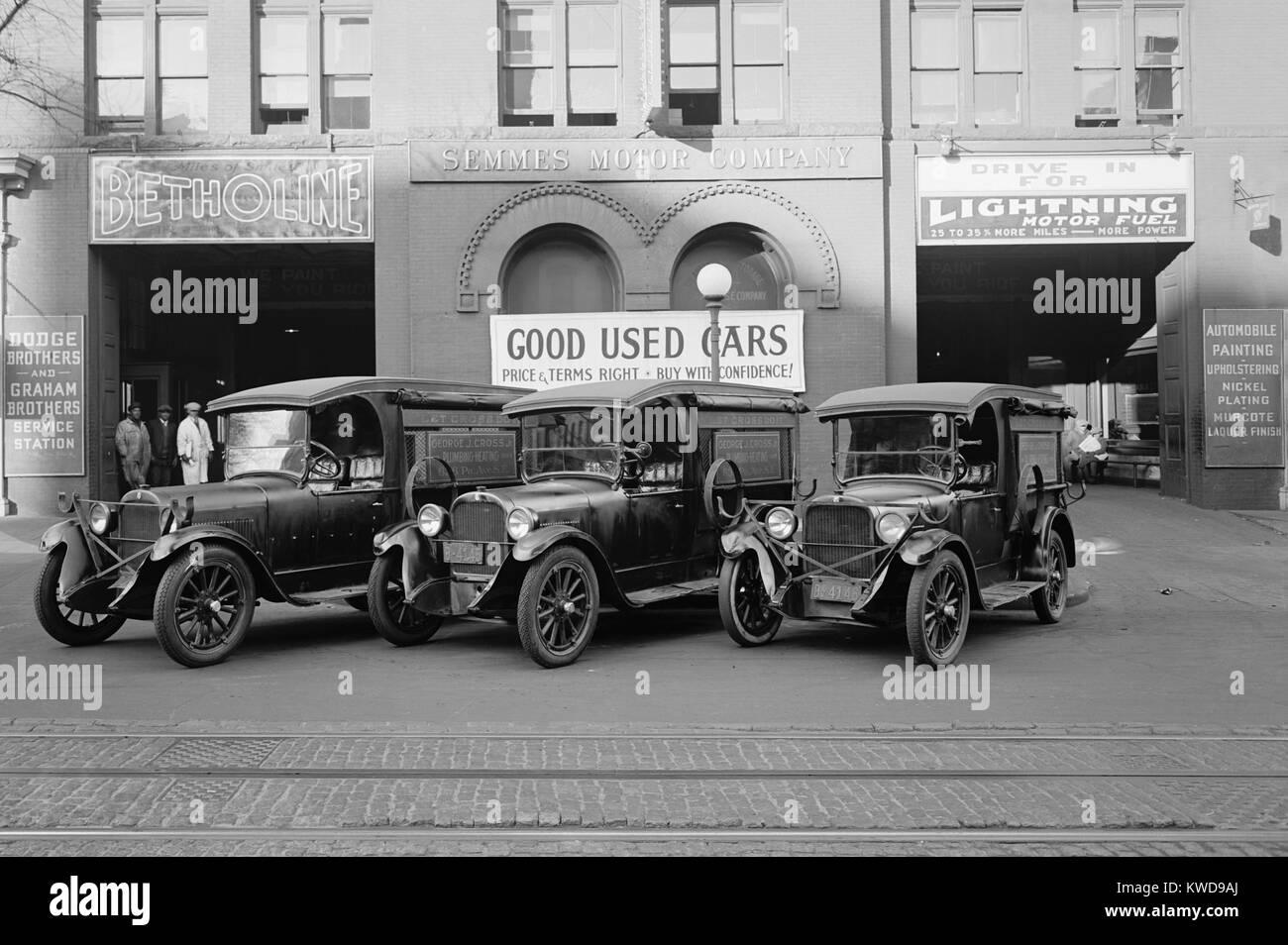 Semmes Motor Co. advertising 'Good Used Cars, Price and Terms Right, Buy With Confidence'. In the 1920s - Stock Image