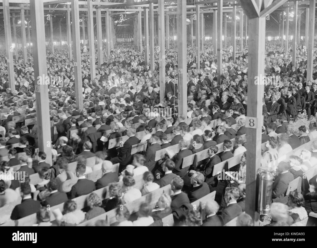 Evangelist Billy Sunday's Tabernacle during a revival in New York City, 1917. The huge tent accommodated 18,000 - Stock Image