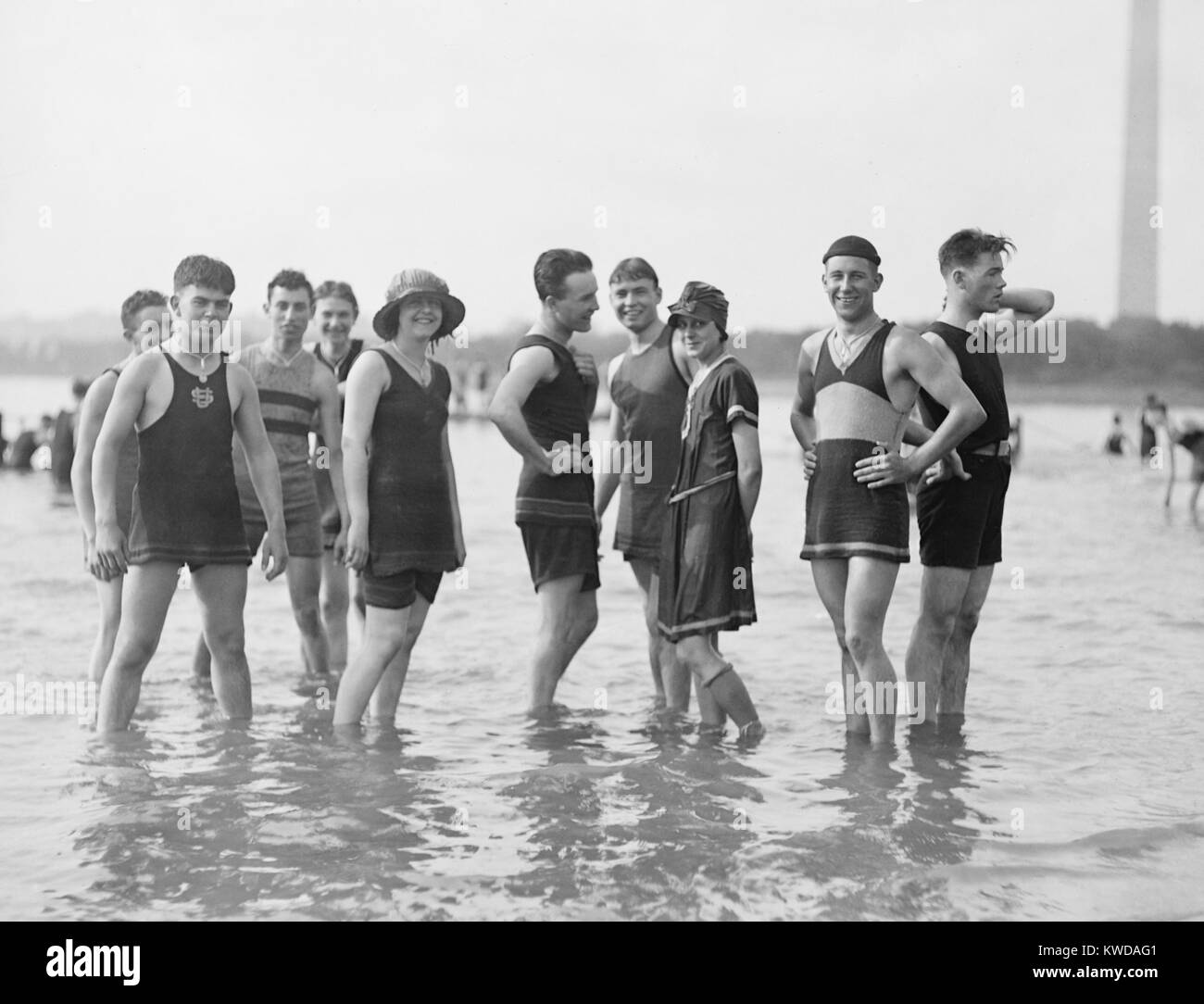 bathing fashions in the 1910s men were required to wear tank tops