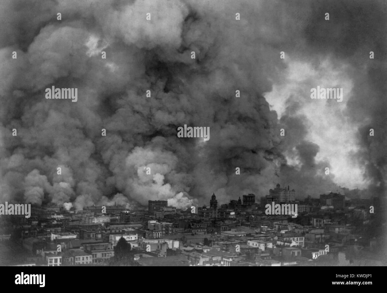 San Francisco in flames after April 18, 1906 earthquake. Within three days, fires caused by ruptured gas mains, - Stock Image