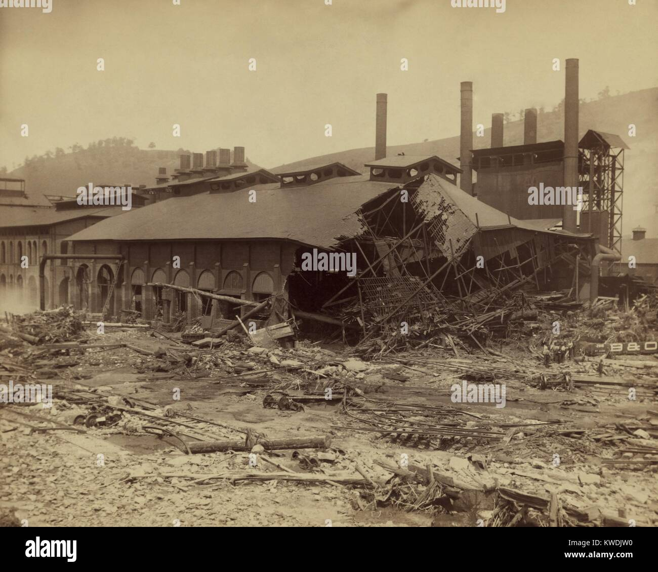 Ruins of Cambria Iron Mills after the Johnstown Flood of May 31, 1889. The companys many facilities, extending some - Stock Image
