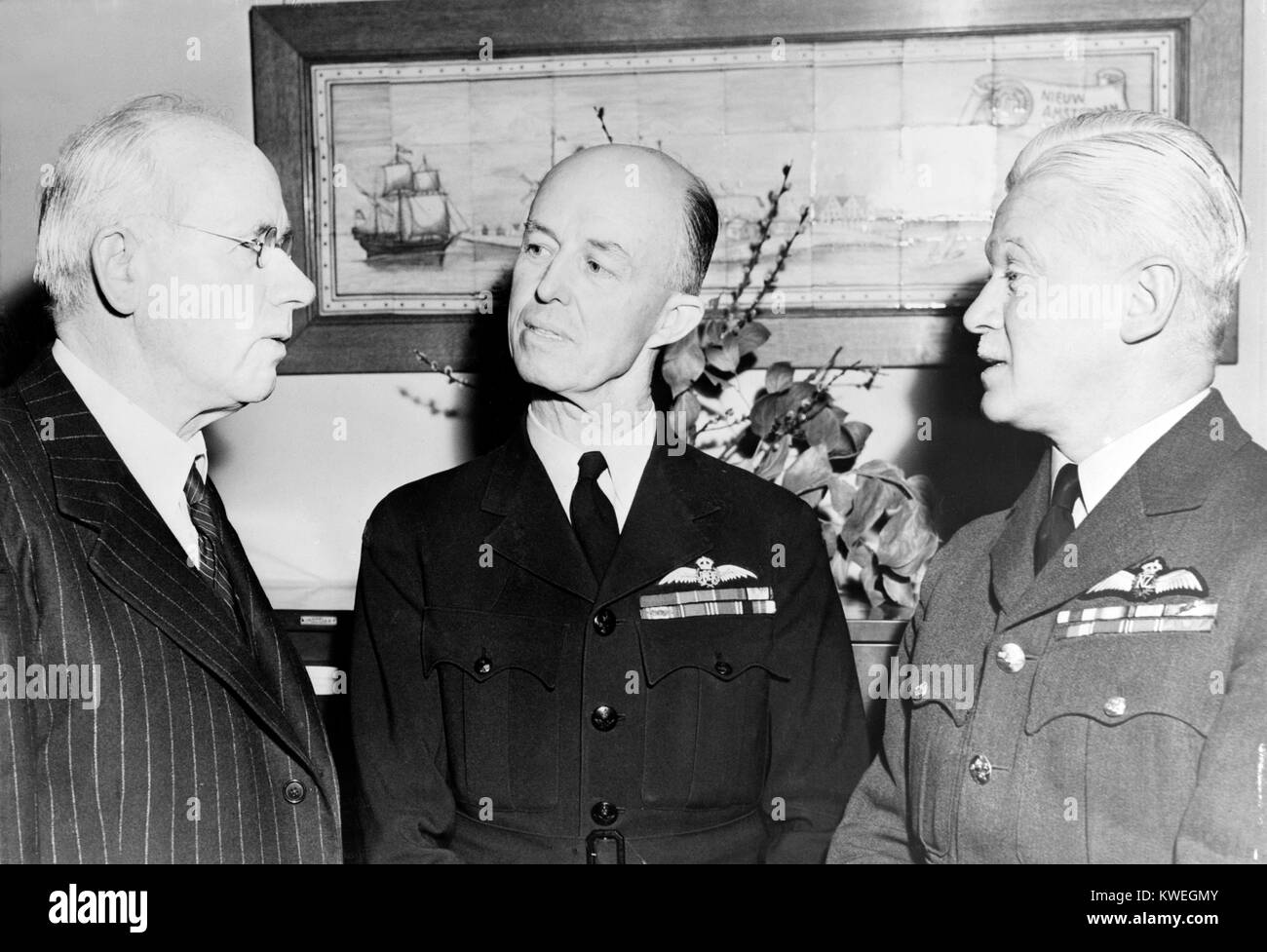 Prime Minister Peter Fraser of New Zealand, Air Marshal Richard Williams of the Royal Australian Air Force, and - Stock Image