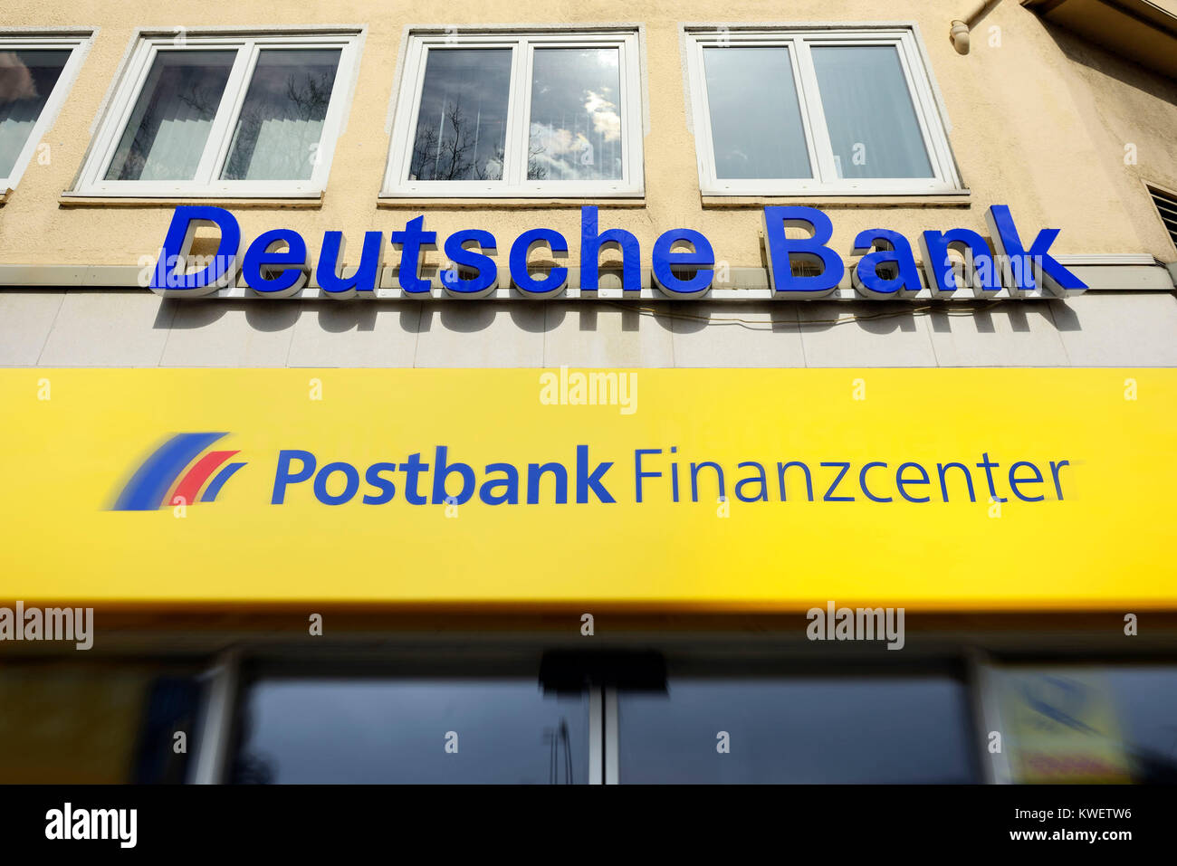 The German bank separates from the postal bank, symbolic photo, Deutsche Bank trennt sich von der Postbank, Symbolfoto - Stock Image
