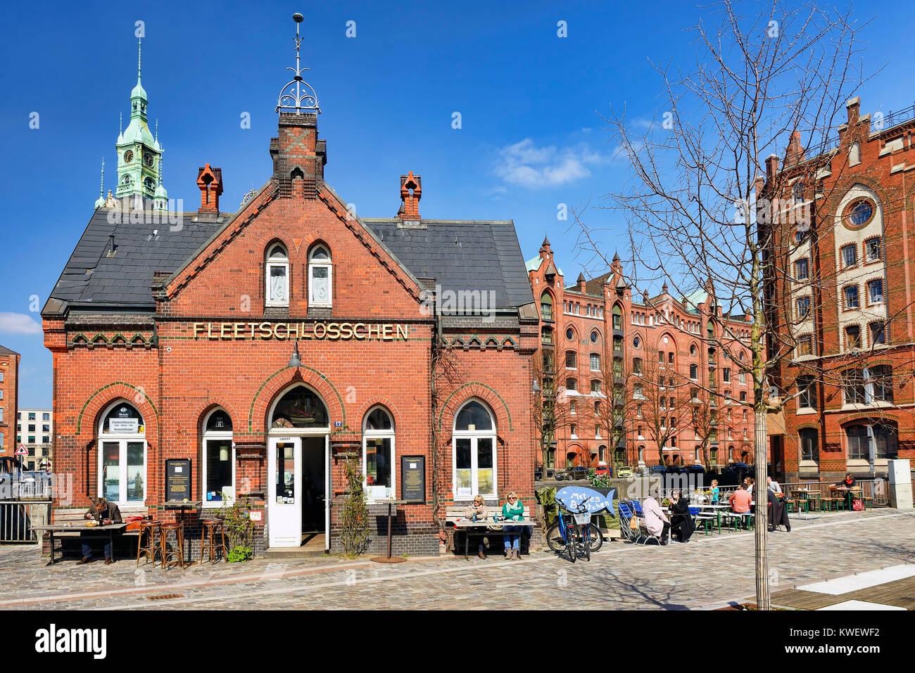 Canal small castles in the memory town of Hamburg, Germany, Europe, Fleetschlösschen in der Speicherstadt von Hamburg, Stock Photo