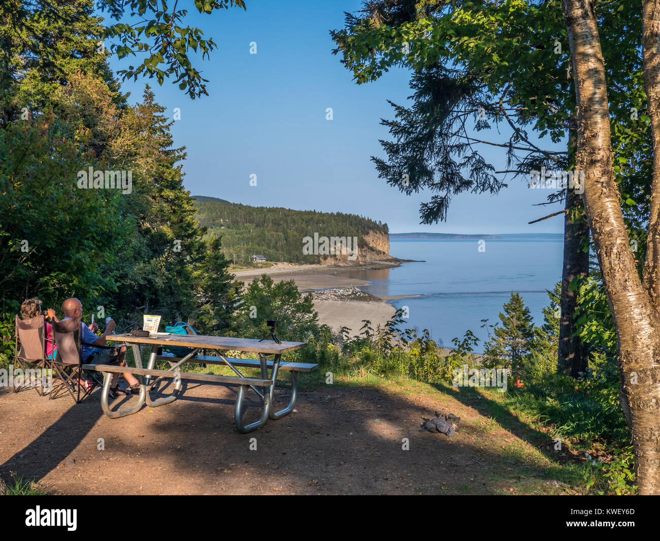 Bay Of Fundy Camping >> Couple Enjoys The View From Campsite 59 Headquarters Campground