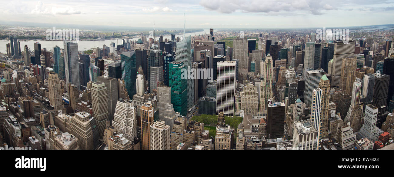 New York City comprises 5 boroughs sitting where the Hudson River meets the Atlantic Ocean. At its core is Manhattan, - Stock Image