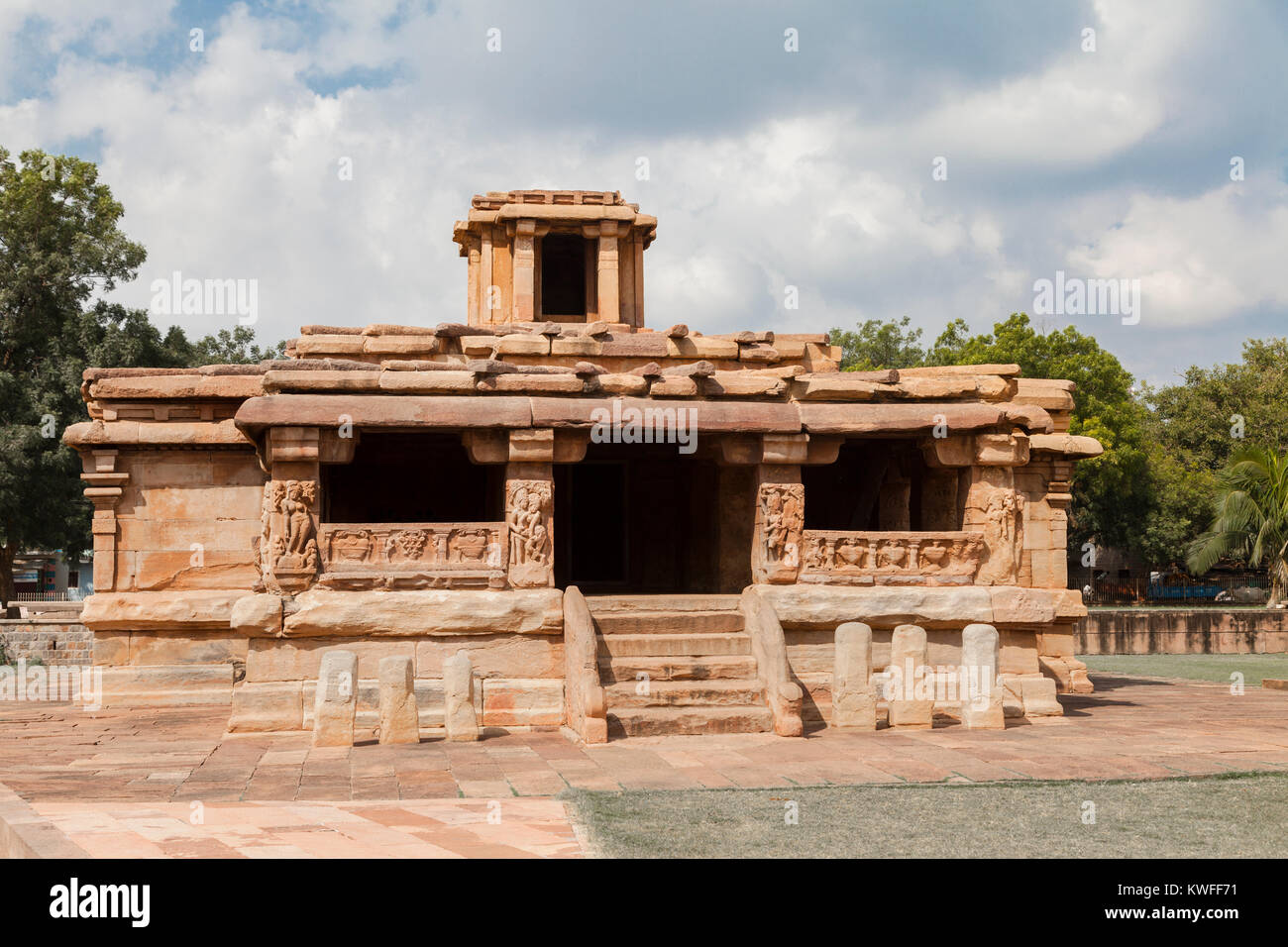 India, Karnataka, Aihole, Lad Khan Temple - Stock Image