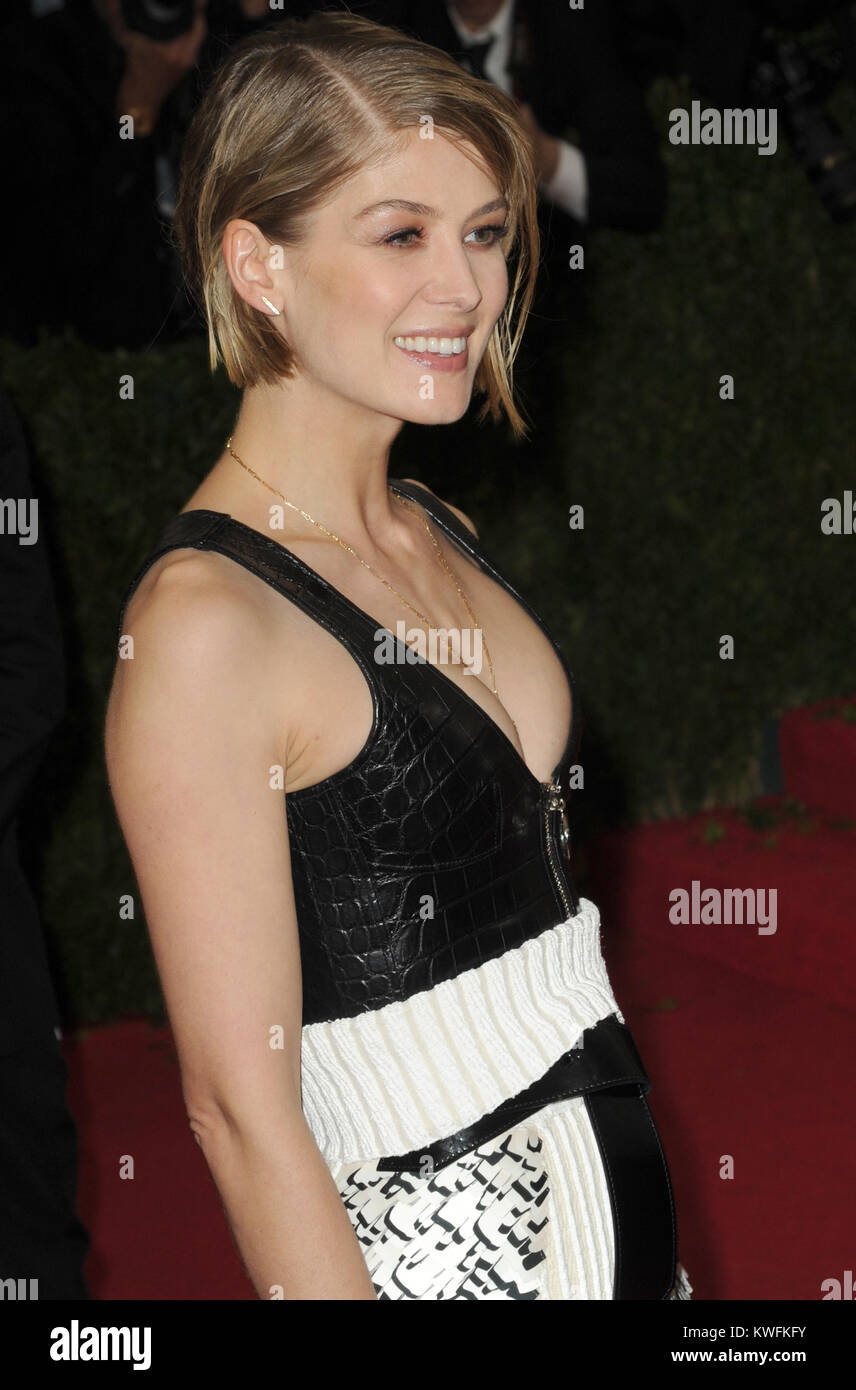 NEW YORK, NY - MAY 05:  Rosamund Pike attends the 'Charles James: Beyond Fashion' Costume Institute Gala at the Stock Photo