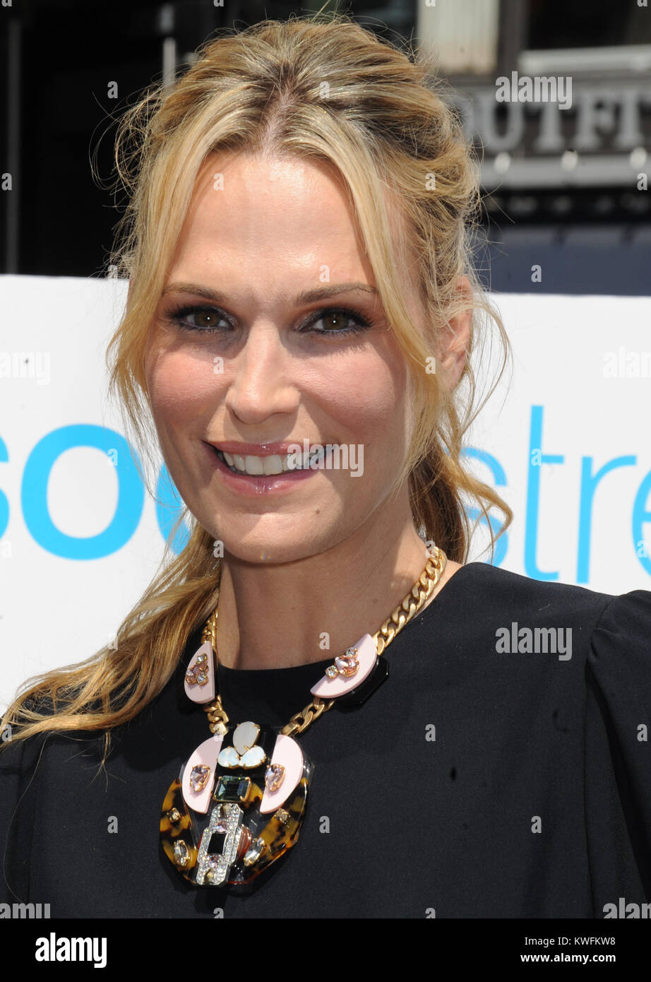 f202e737 NEW YORK, NY - AUGUST 27: Nicollette Sheridan Sodastream event on August 27,  2014 in New York City. People: Nicollette Sheridan