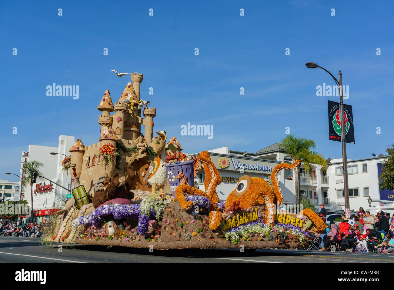 Pasadena,  JAN 1: Octopus and castle, Founder Award float in the famous Rose Parade - America's New Year Celebration - Stock Image