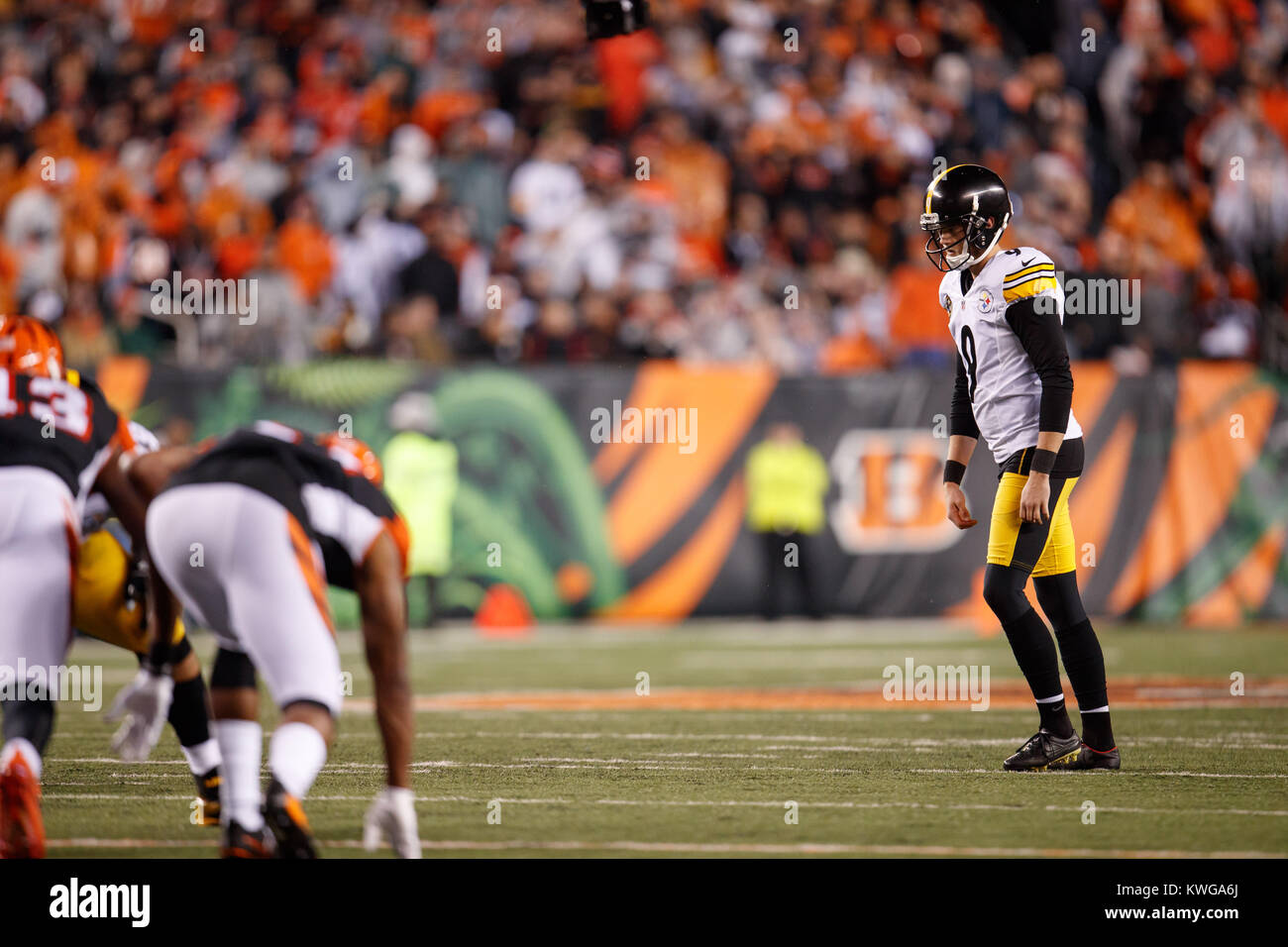 Cincinnati, OH, USA. 4th Dec, 2017. Pittsburgh Steelers ...