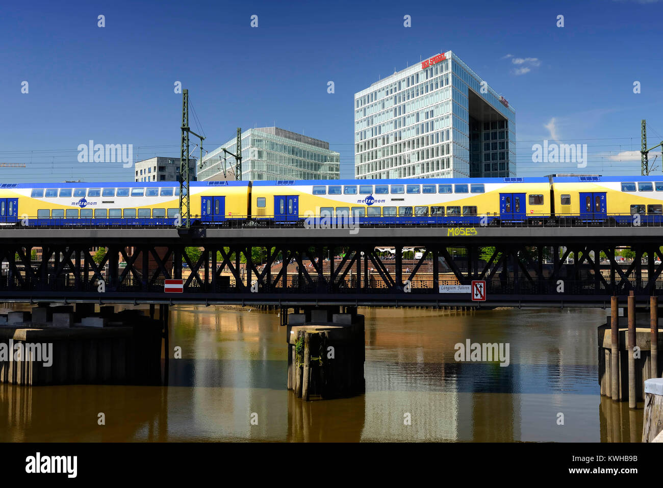Upper harbour bridge, mirror-publishing company building and Ericus-Contor in the harbour city of Hamburg, Germany, - Stock Image