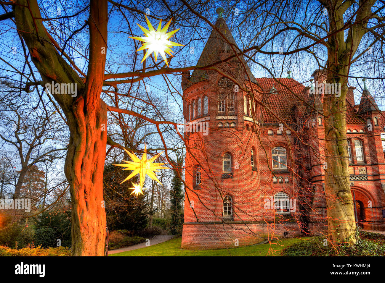 Christmas lighting on the Christmas fair in the castle in mountain village, Hamburg, Germany, Europe, Weihnachtsbeleuchtung - Stock Image