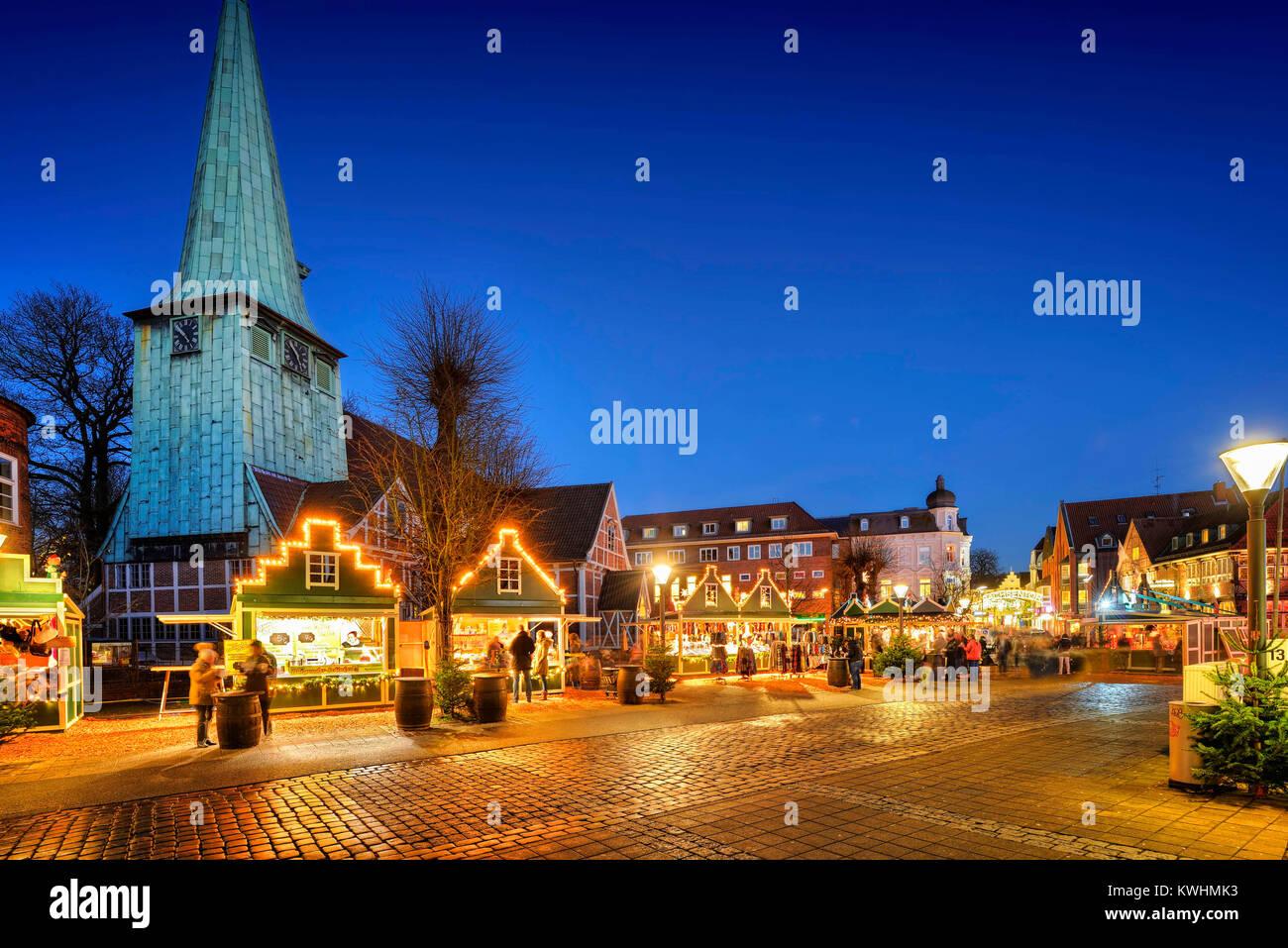 Christmas fair in mountain village, Hamburg, Germany, Europe, Weihnachtsmarkt in Bergedorf, Deutschland, Europa - Stock Image