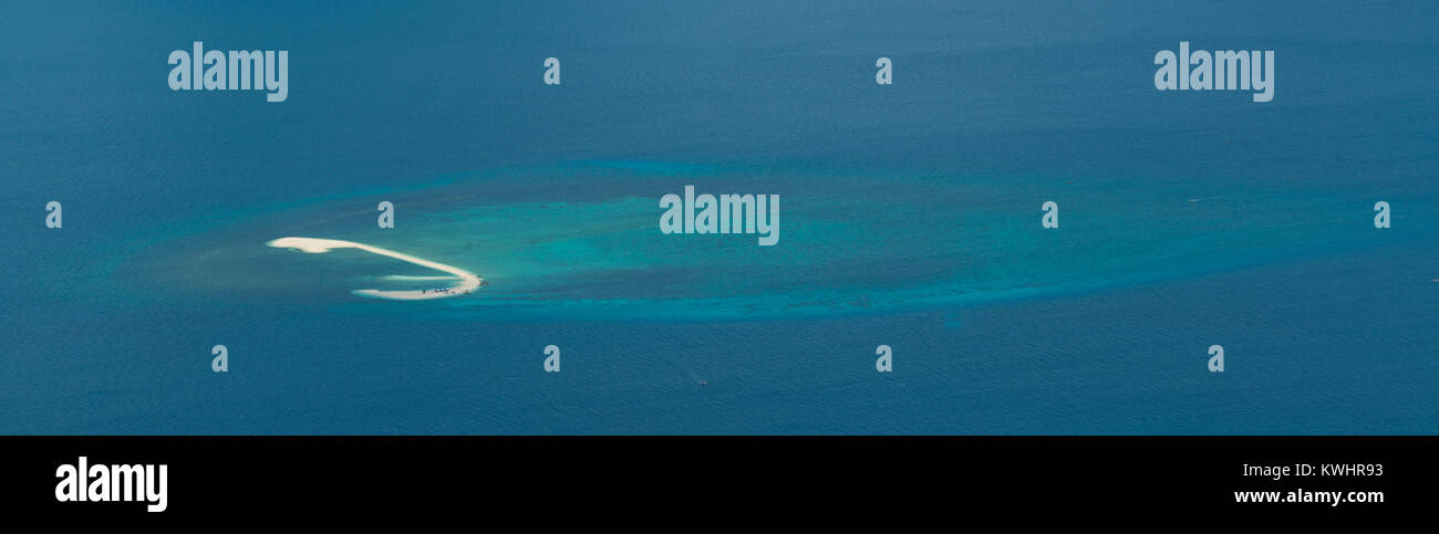Aerial photo of White Island, in the Bohol Sea near Camiguin, Philippines - Stock Image