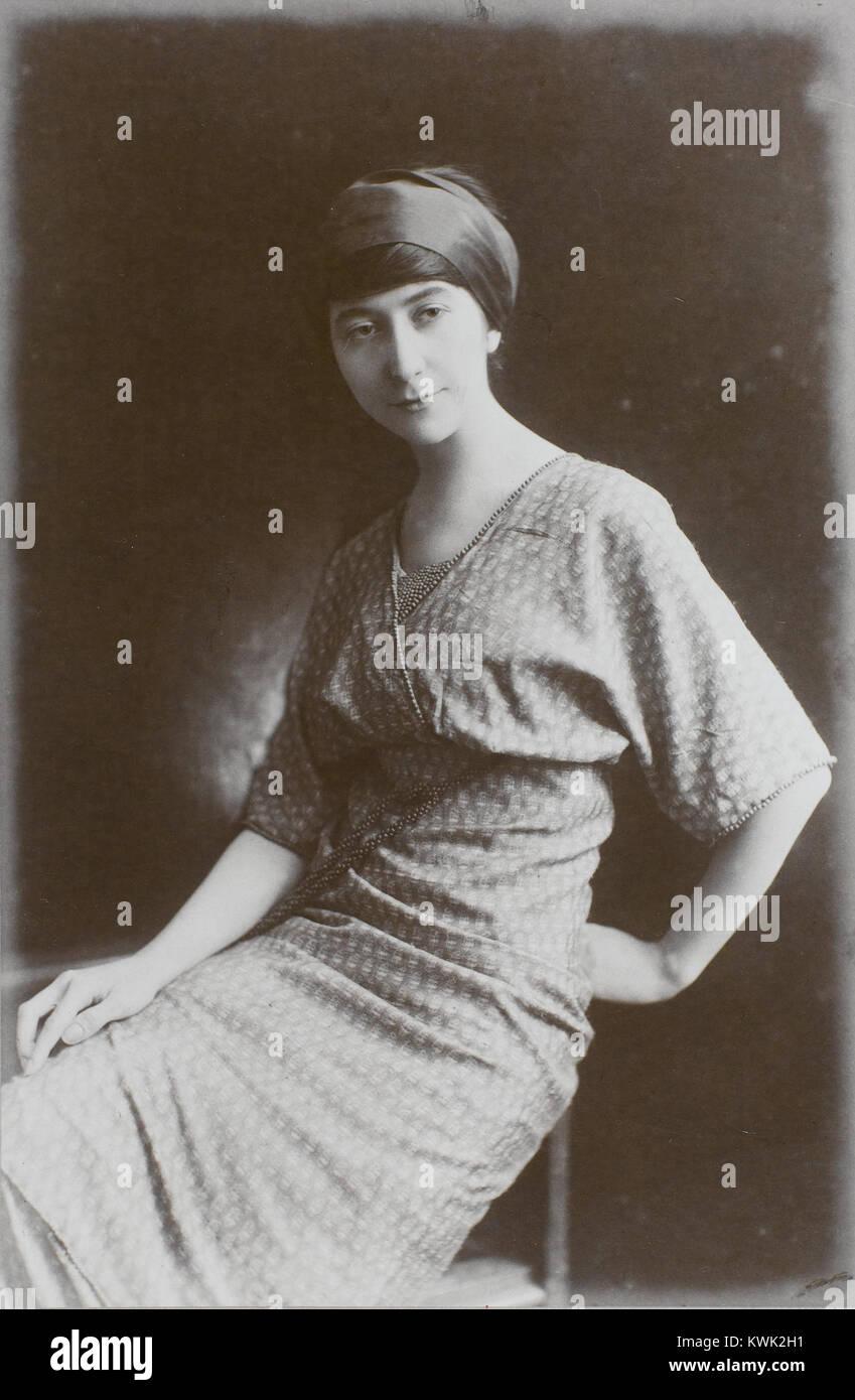 Juliette Roche, c.1913, Paris, Centre Pompidou, Musée national d'art moderne, Bibliothèque Kandinsky - Stock Image