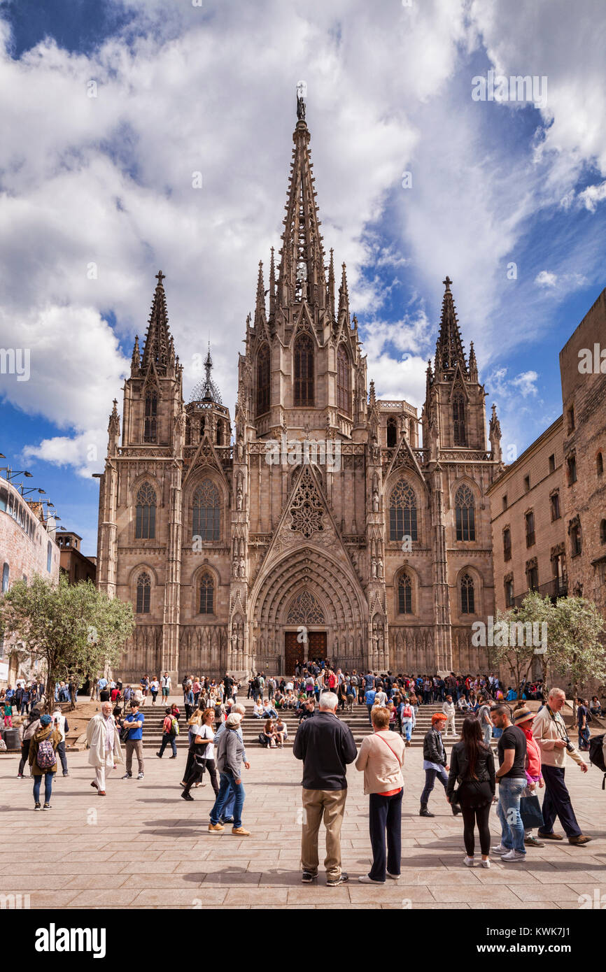 Barcelona Cathedral, the Cathedral of the Holy Cross and Saint Eulalia, Barcelona, Catalonia, Spain - Stock Image