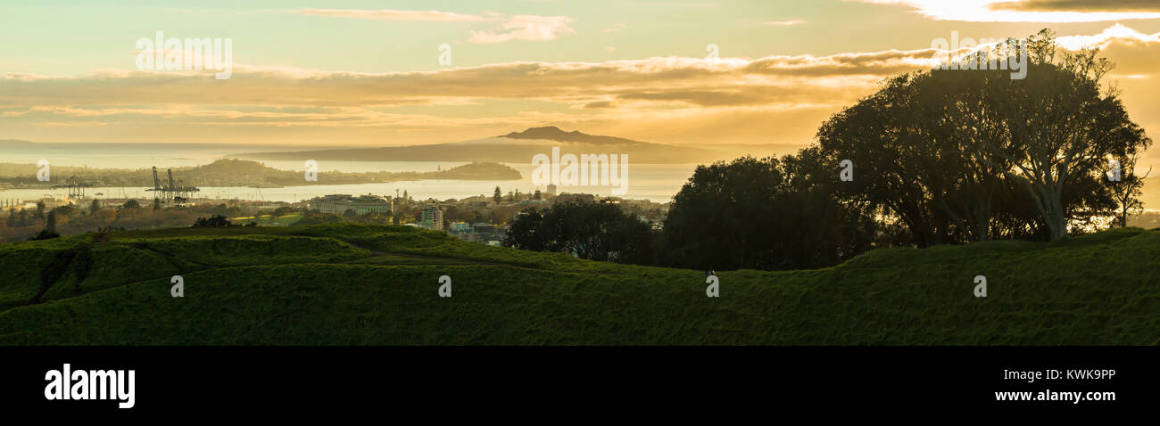 Auckland city in the fog, a view from Mt Eden - Stock Image