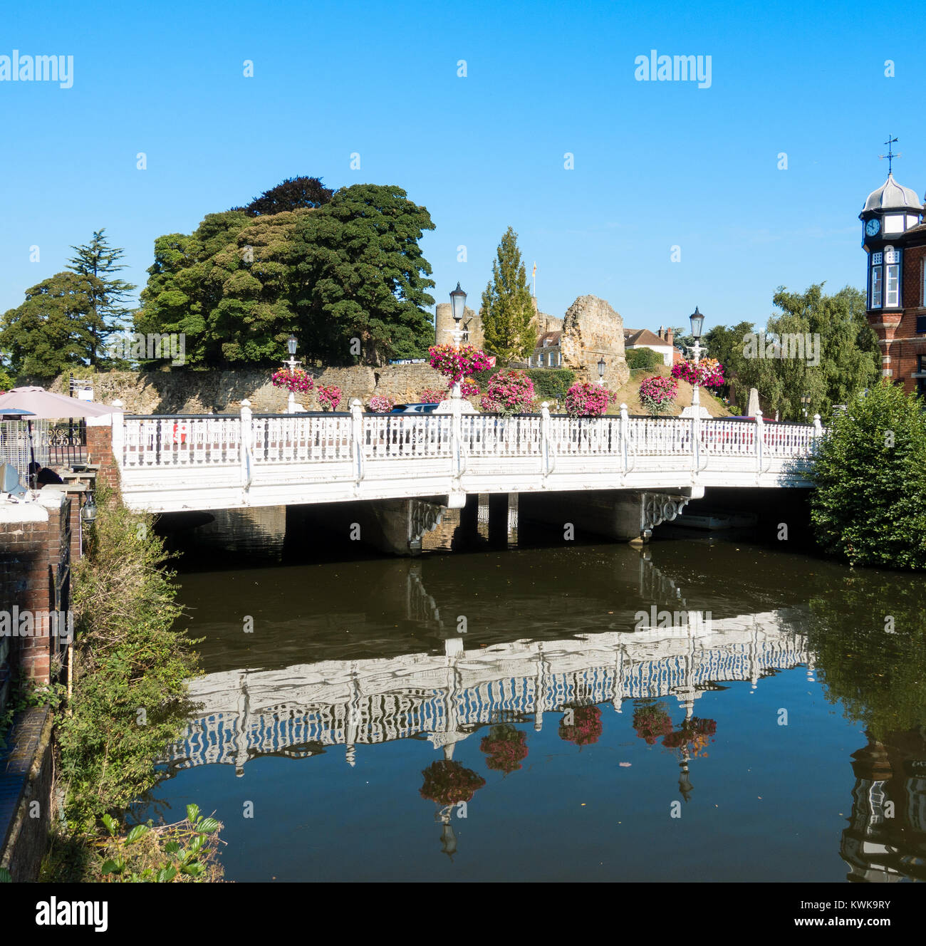 Bridge over River Medway, Tonbridge, Kent, England, UK - Stock Image