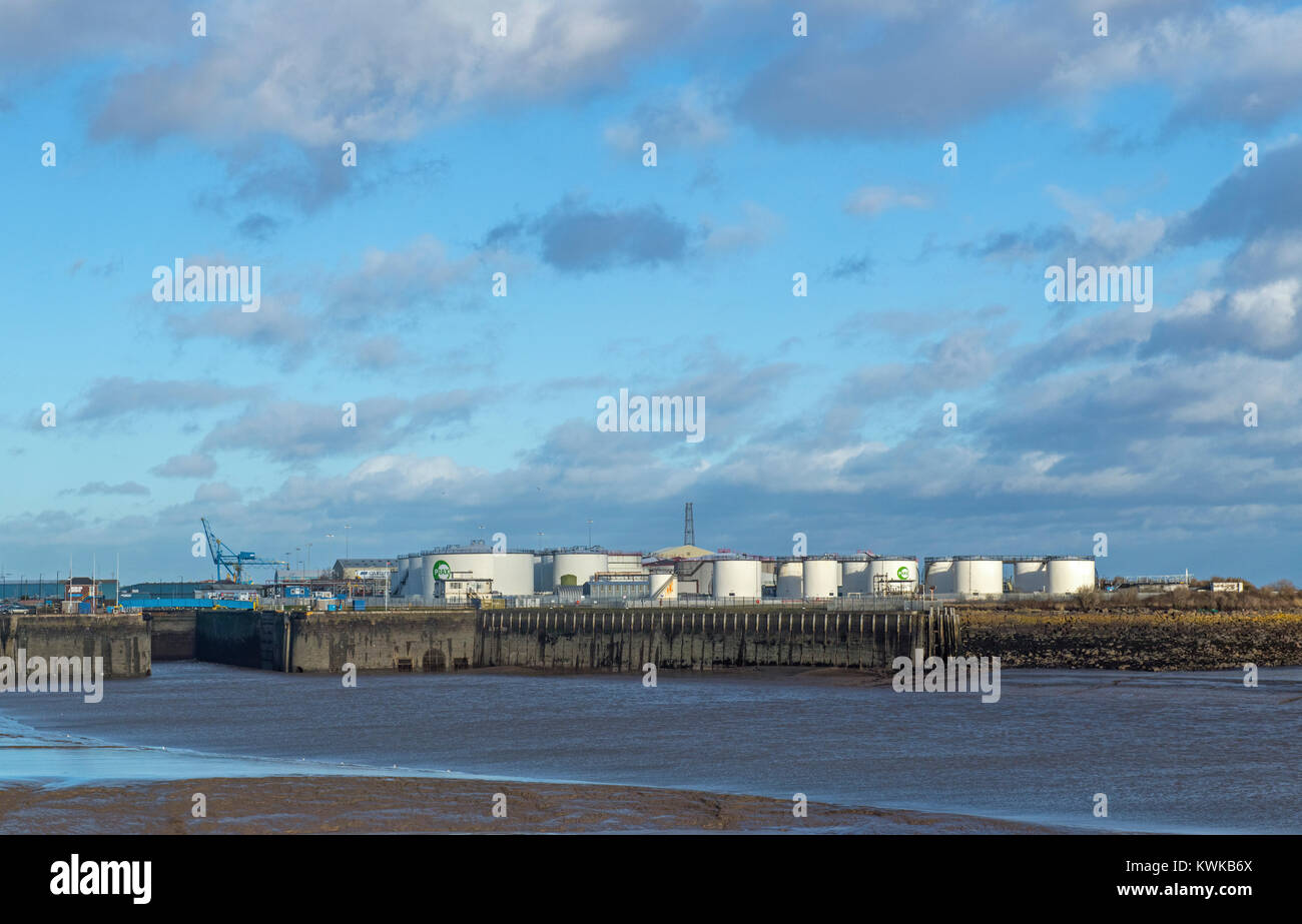 Entrance to Cardiff Port and Fuel Storage Tanks - Stock Image